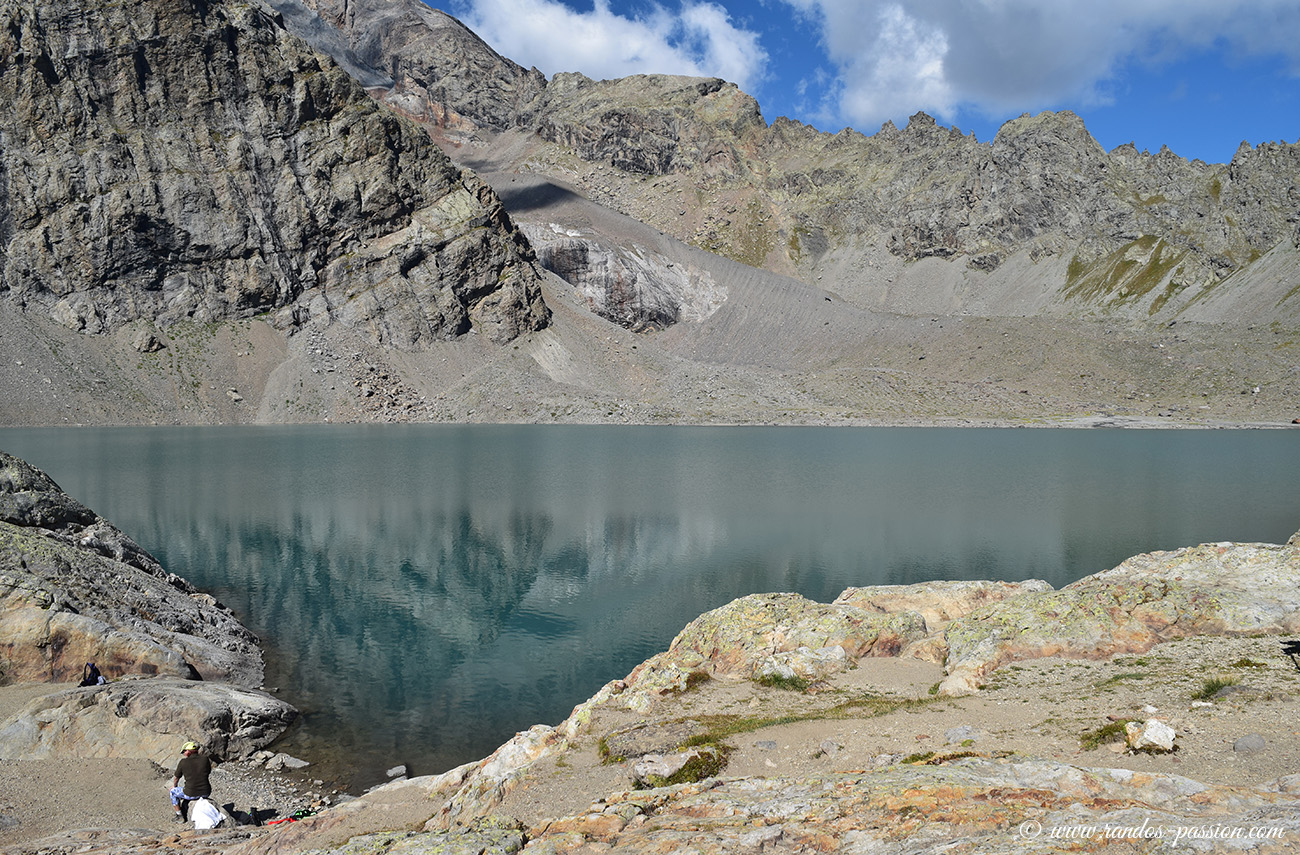 Le lac de l'Eychauda (2514 m)