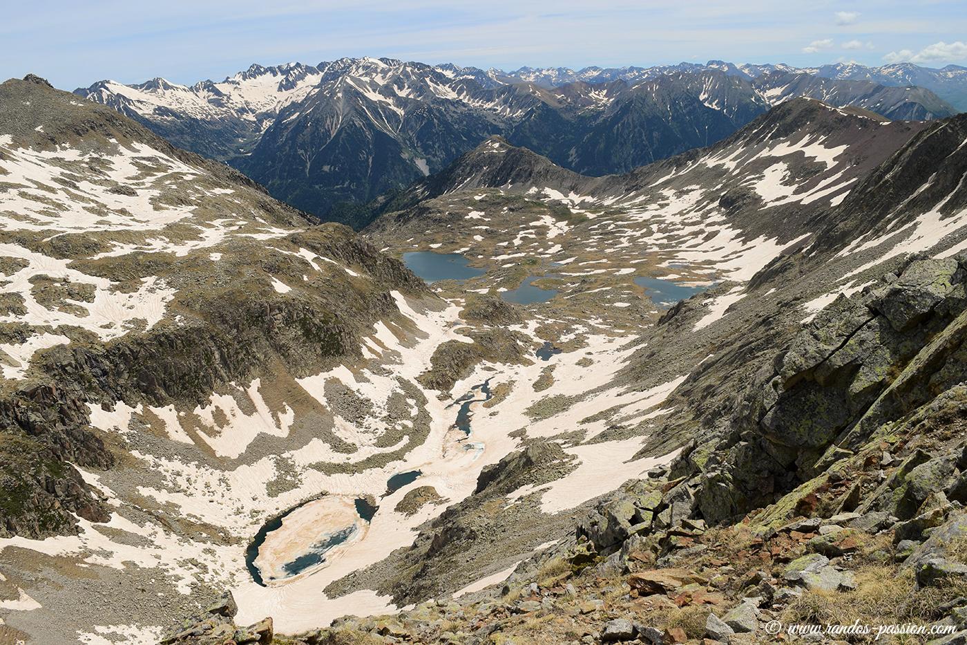 Vue du sommet sur le Val d'Anglos