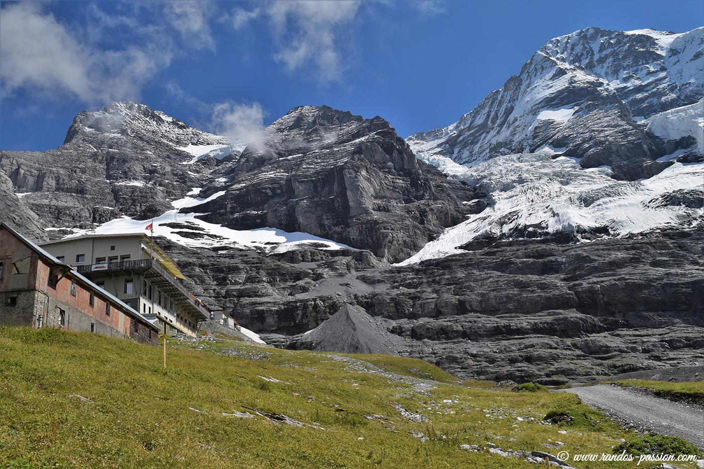 La station et le Glacier de Eigergletscher
