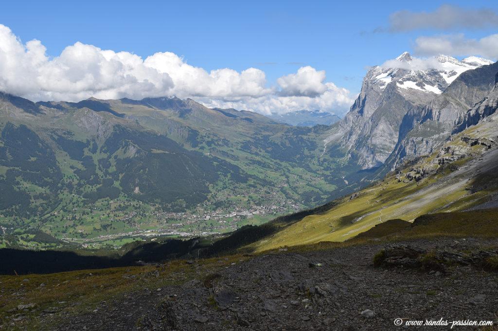 Depuis le sentier Eiger Trail, vue sur Grindelwald