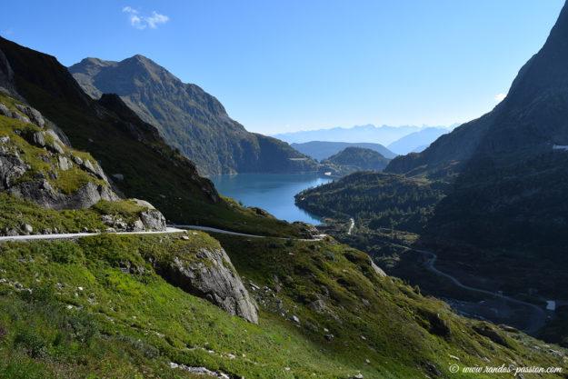 Le barrage d'Émosson et le Bel Oiseau (2628 m)