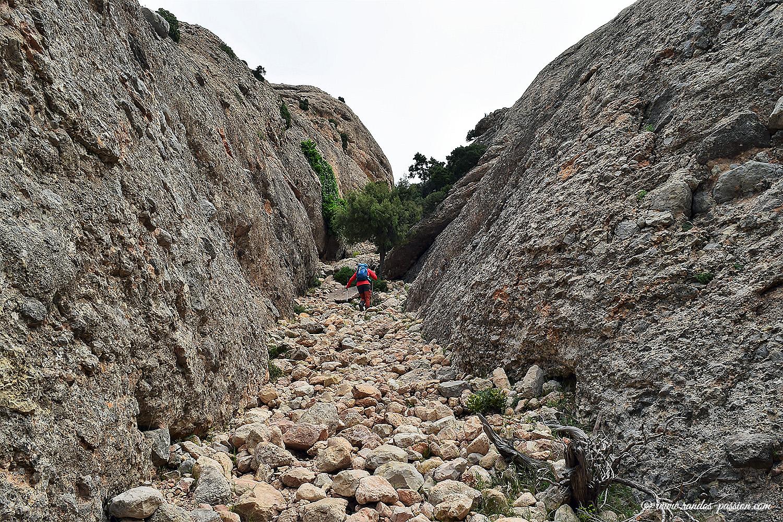 Le passage clé de l'ascension aux Roques de Benet