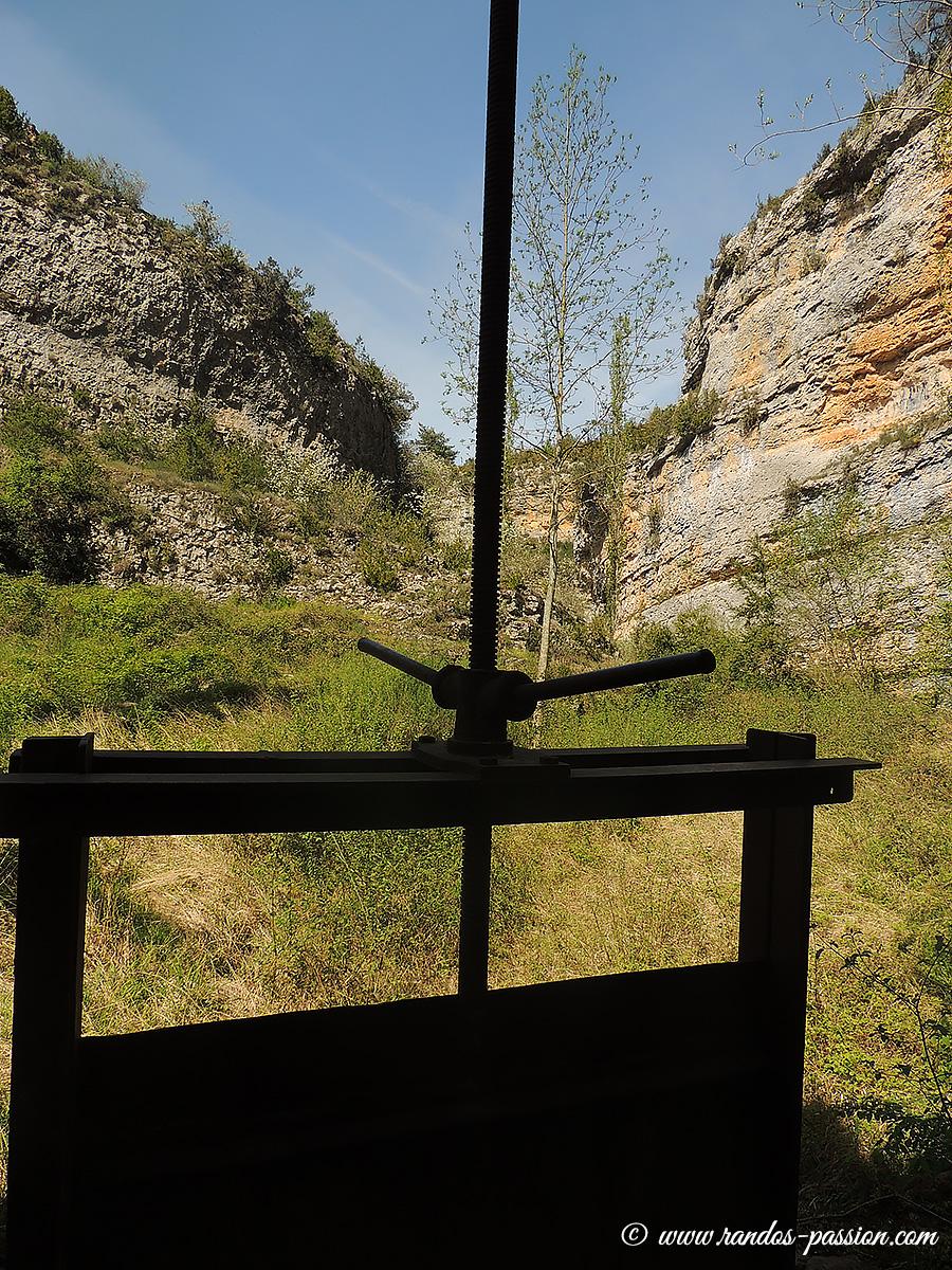 Vieille vanne à l'ancien moulin de Lecina - Rio Vero