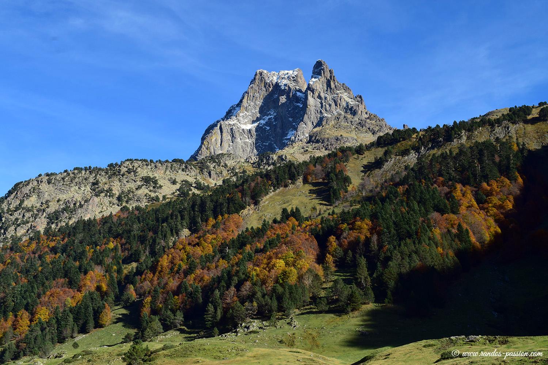 L'Ossau et le plateau de Bious en automne
