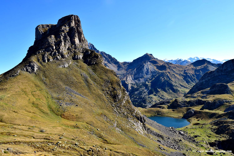 Le pic et le lac Castérau - Pyrénées-Atlantiques