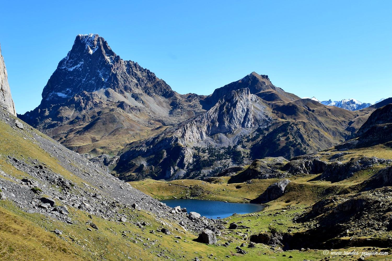 Pic du Midi d'Ossau et lac Castérau - Pyrénées-Atlantiques