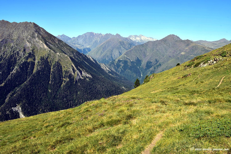 Vue sur le massif du Néouvielle - Hautes-Pyrénées