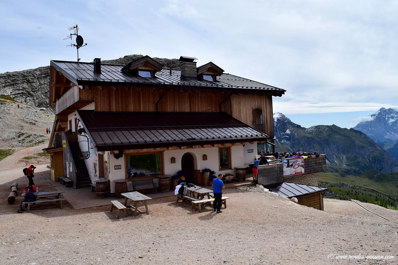 Le refuge Averau - Dolomites