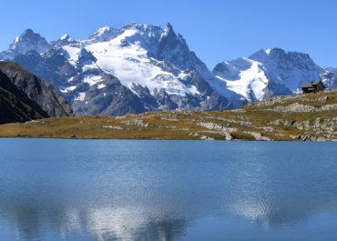 Le lac et le refuge du Goléon