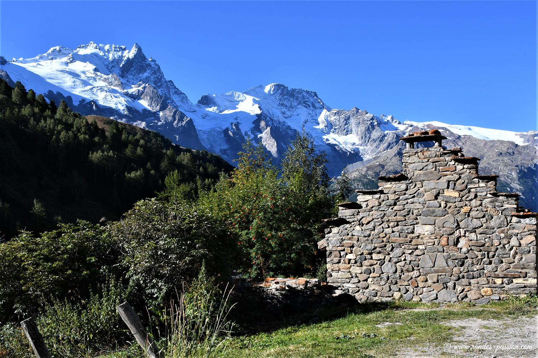 Le hameau du Pramailler- Hautes-Alpes