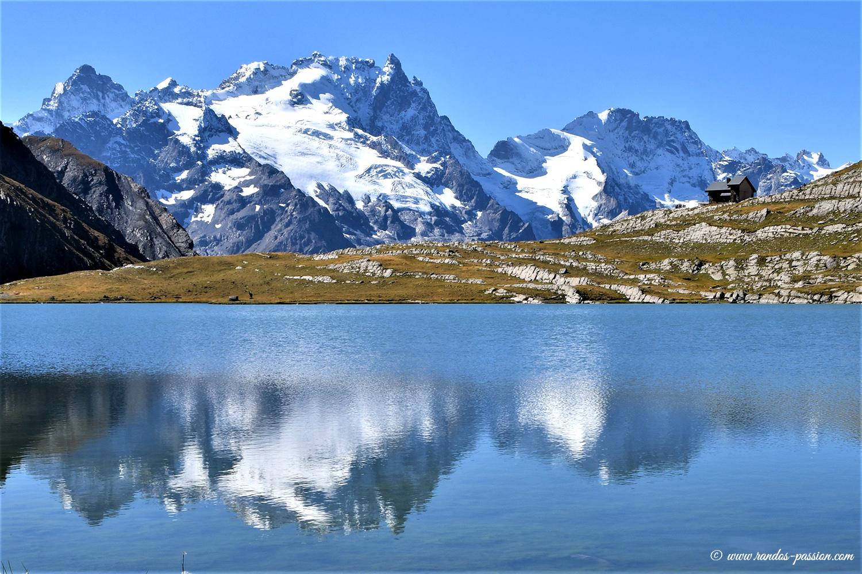 Le lac du Goléon et la Meije - Hautes-Alpes