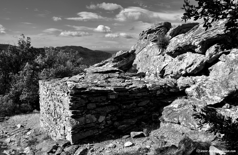Cabane en pierre sur le sentier de l'Esquino d'Aze