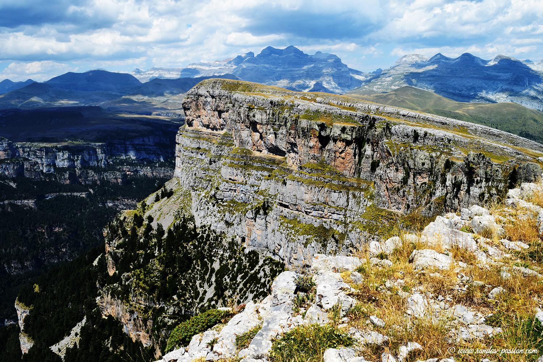 Massif du Mont-Perdu depuis les Sestrales