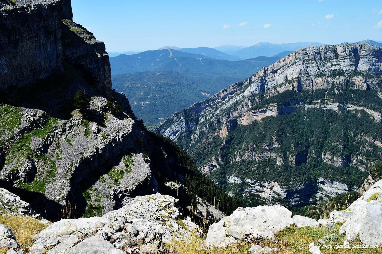 Sur les crêtes du canyon d'Anisclo