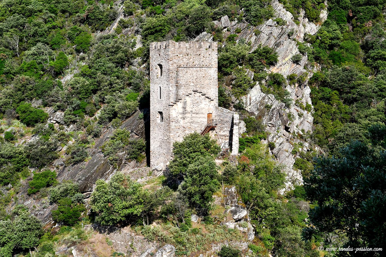 La tour carrée de Colombières sur Orb