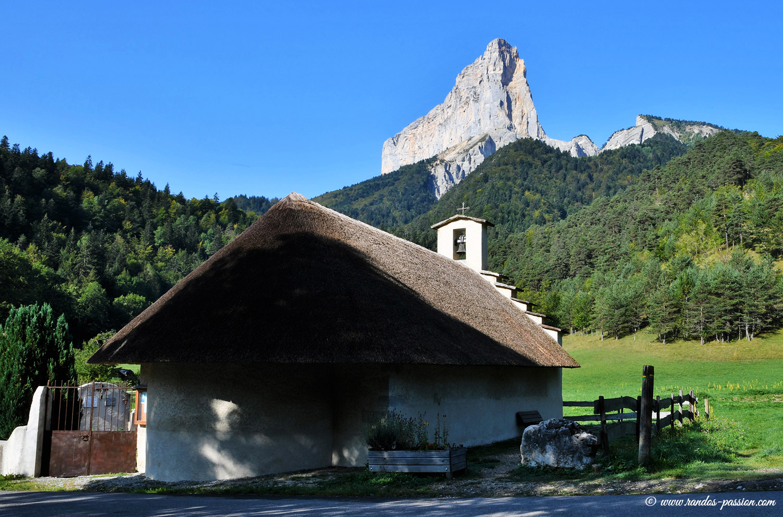 La chapelle de Trezanne et le Mont Aiguille