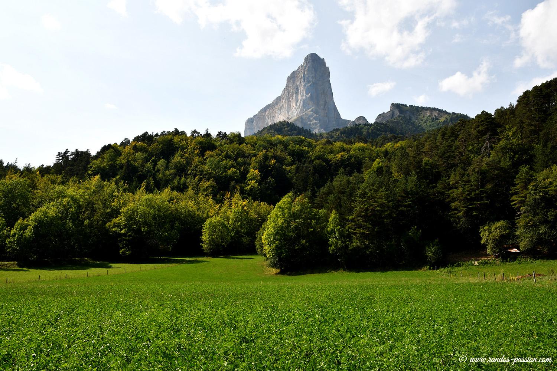 Le Mont Aiguille depuis Trezanne