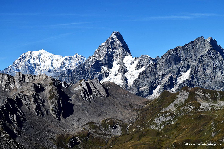 Randonnée à la Tête de Fenêtre - Val d'Aoste - Vue sur le Mont-Blanc et les Grandes-Jorasses