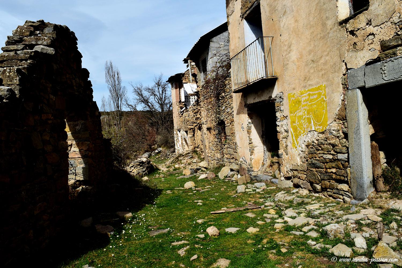 Le village abandonné d' Otín - Sierra de Guara