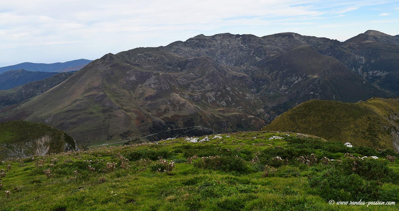 Vue sur le pic des Trois Seigneurs depuis le Mont Ceint