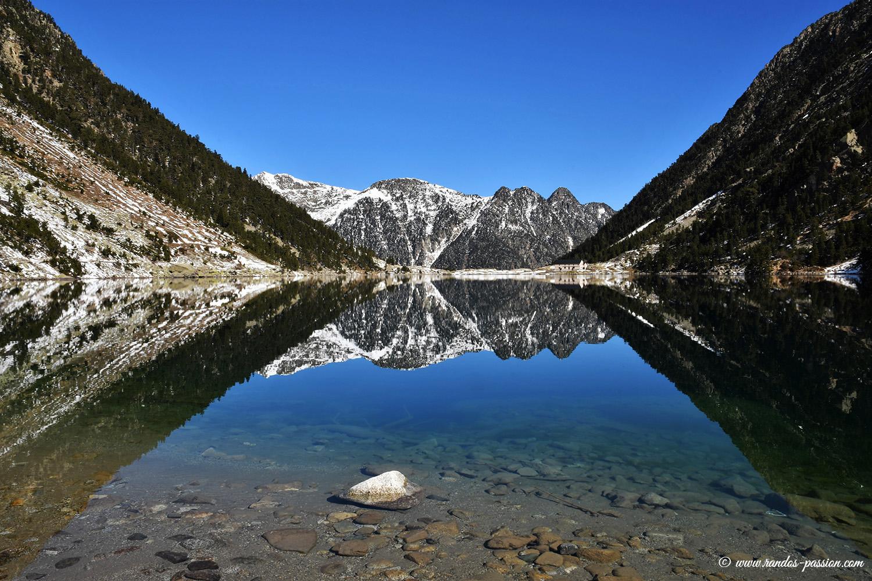 Le lac de Gaube et l'hôtellerie du lac de Gaube