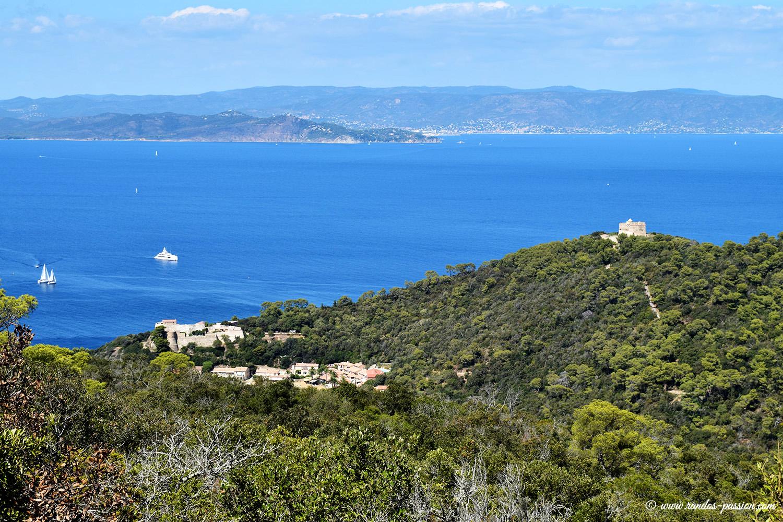 Vue du Mont-Vinaigre à Port-Cros