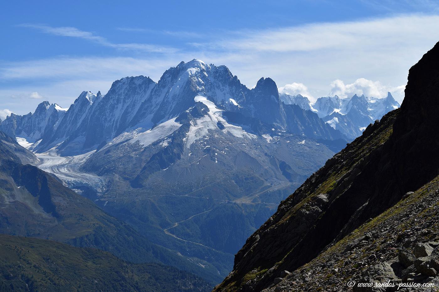 L'Aiguille Verte (4122m) et les Drus (3754m)