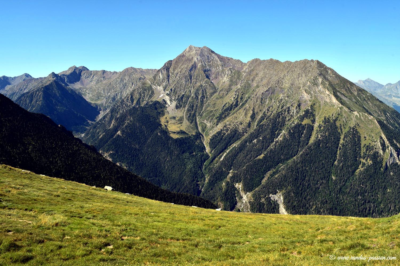 Pic d'Aret et pic de Tramezaîgues vus depuis le Cap de Laubére