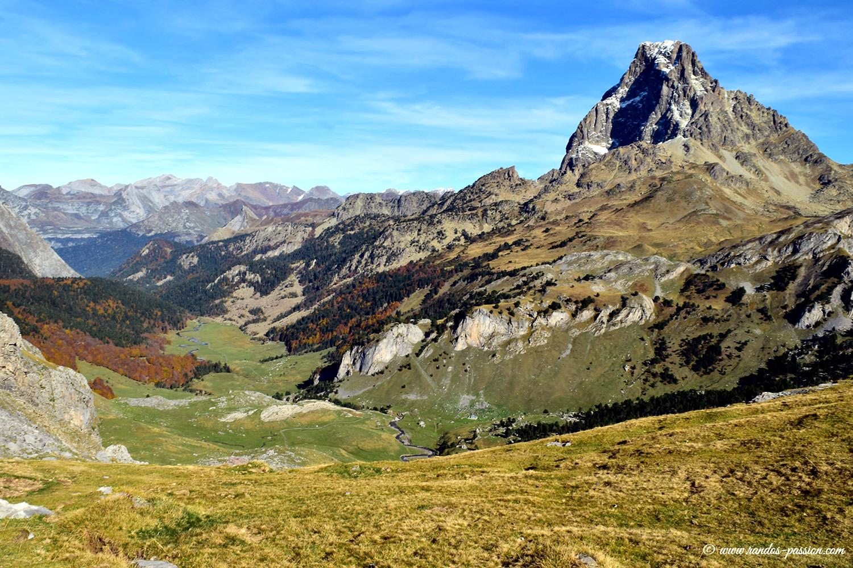 Le plateau de Bious et l'Ossau en automne