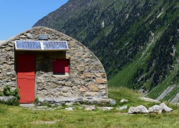 Le refuge Ledormeur et le vallon de la Pacca