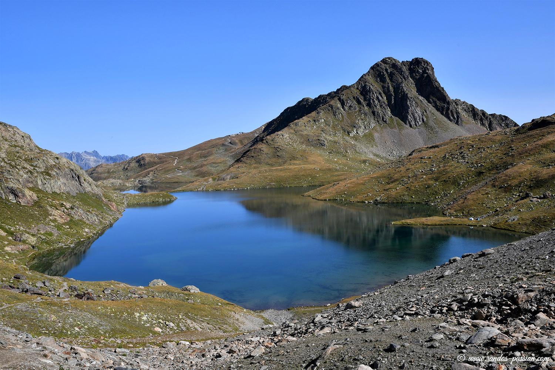 Le lac Blanc au départ cu col de la Croix de Fer - Savoie