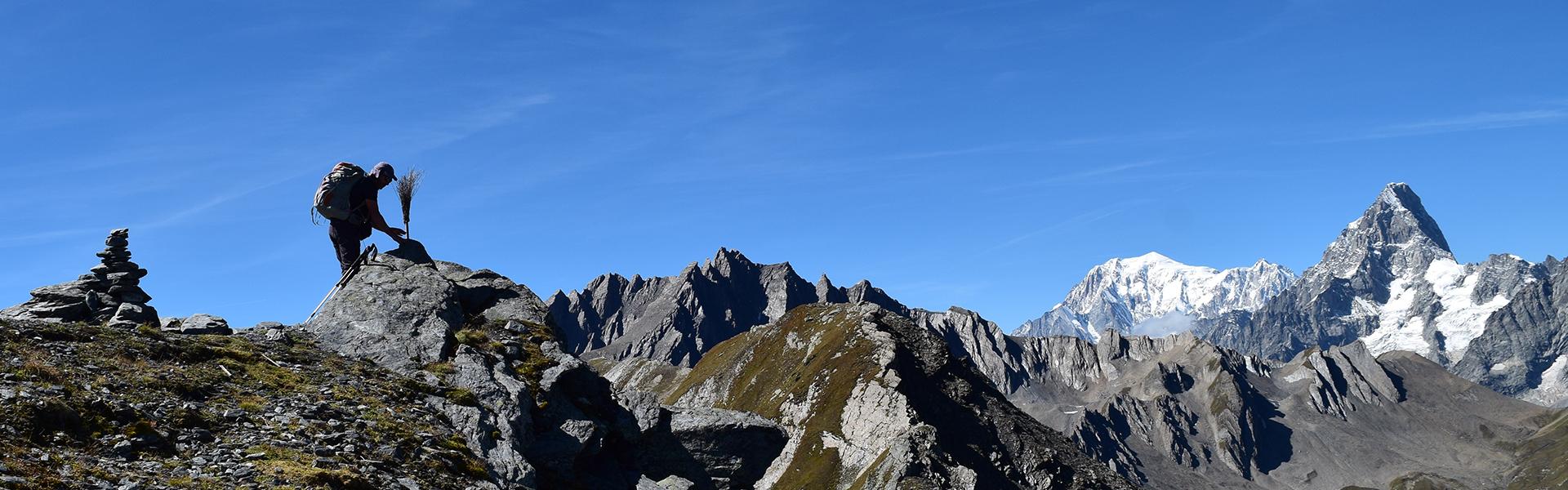 La Fenêtre de Ferret et la Tête de Fenêtre depuis le col du Grand-Saint-Bernard