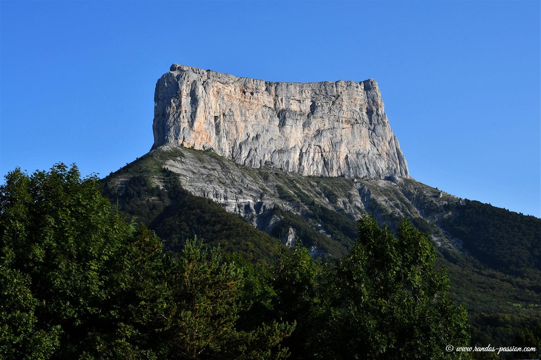 Le Mont Aiguille vu depuis Chichilianne