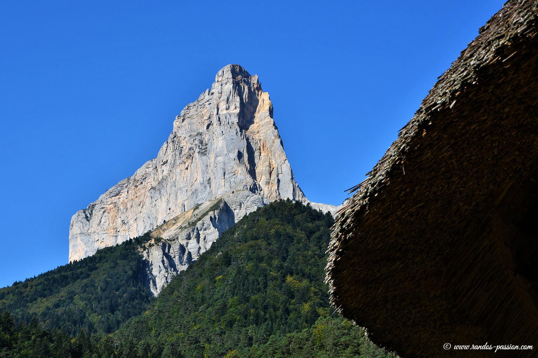 Le Mont aiguille vu depuis Trezanne